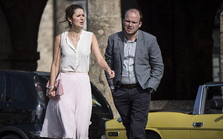 WARNING: Embargoed for publication until: 27/01/2015 - Programme Name: The Casual Vacancy - TX: n/a - Episode: Ep1 (No. 1) - Picture Shows: (L-R) Mary Fairbrother (EMILY BEVAN), Barry Fairbrother (RORY KINNEAR) - (C) Bronte Film and Television Ltd 2014 - Photographer: Steffan Hill