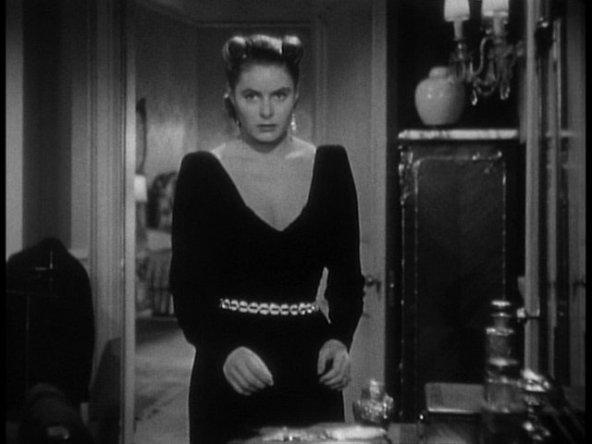 Ingrid_Bergman_in_Notorious_Trailer(4)