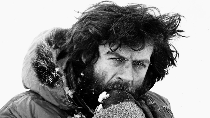 B4GB3T Sir Ranulph Twistleton Wykeham Fiennes explorer at North Pole at Easter 500 miles from Spitzbergen during transglobe expedition